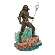 DIAMOND SELECT TOYS DC Gallery: Justice League Movie Aquaman PVC Gallery Figure