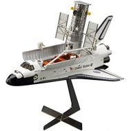 Hasegawa 1200 Hubble Space Telescope & Space Shuttle Orbiter with Astronauts Model Kit(Japan Import)